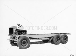 Rigid six-wheeled lorry chassis with all-wheel drive  1929.