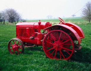 International Harvester 22/36 tractor  1931.