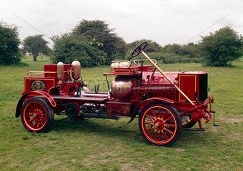 Motor fire engine  1904.