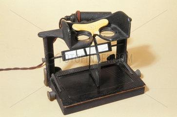 Maddox type cheiroscope  English  1920-1950.
