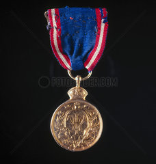 Royal Victorian Medal presented to Royal Train Driver by Edward VII  29 July 1901.