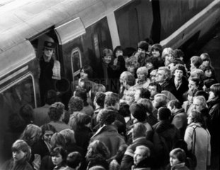 APT passengers travelling north stranded in south  11 December 1981.