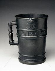 Bronze Exchequer Standard Winchester Gallon measure  1601.