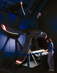 Dowty advanced propeller system  2000.