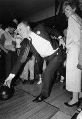 Neil and Glenys Kinnock ten-pin bowling  1987.