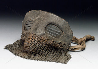 Protective mask with leather and chain mail  1917-1918.