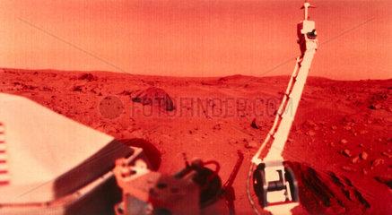 Viking 1 on Mars  1976.