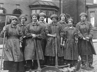 Female permanent way workers for South Lane