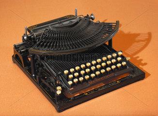 Maskelyne typewriter  1889.