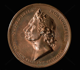 Medal commemorating Charles and Robert's balloon ascent  Paris  1783.