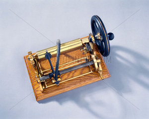 Bell and Tainter's graphophone  1886-1887.