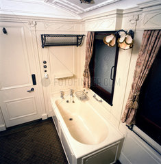 Royal train bathroom in King Edward VII's saloon  c 1915.
