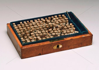 Homeopathic medicine chest  1830-1850.