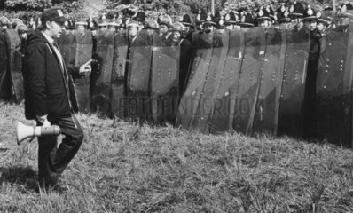 Arthur Scargill confronts police with riot shields  1984-1985.