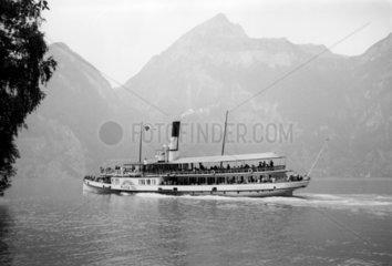 The 'Wilhelm Tell' paddle steamer cruising