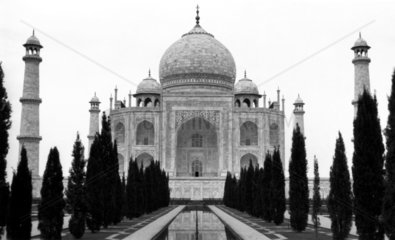 The Taj Mahal  India  c 1900s.