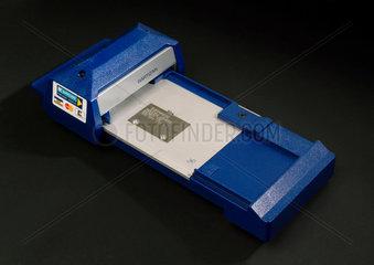 Payment card manual imprinter  1990-1998.