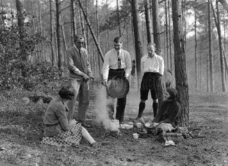 Campers cooking food  New Forest  England  9 May 1931.