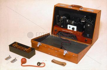 Portable electrocardiograph  1946.