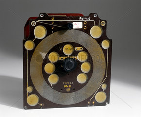 Sargrove two valve radio receiver  1947-1948.