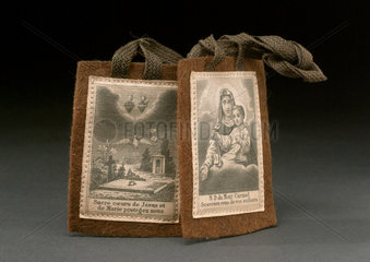 Scapular with holy pictures  European  1851-1930.
