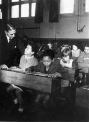 Immigrant children at a Welsh primary school  19 February 1943.