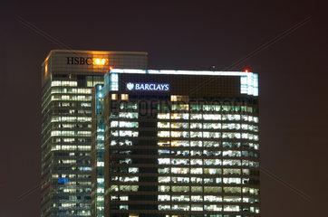 London  Grossbritannien  die Hochhaustuerme von HSBC und Barclays in den Docklands