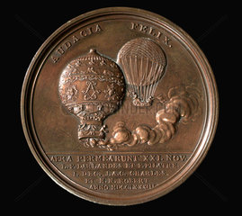 Medal commemorating the invention of the air balloon in 1783  (1784).