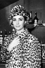 Elizabeth Taylor  28 June 1963.