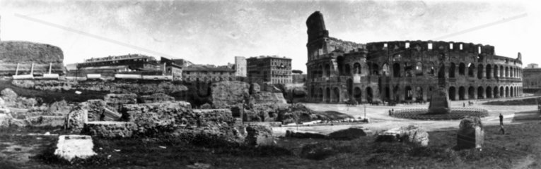 Panoramic view of Rome featuring the Collis
