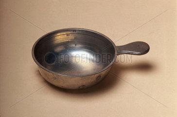 Graduated pewter bleeding bowl  19th century.