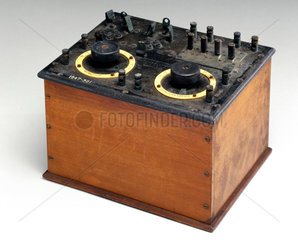 Early commercial two-valve radio receiver  1920-1921.