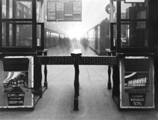Ticket gate at Liverpool Exchange  23 February 1927.