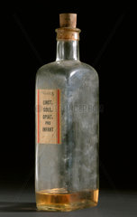 Glass shop round for tincture of chloroform and morphine  1920-1960.