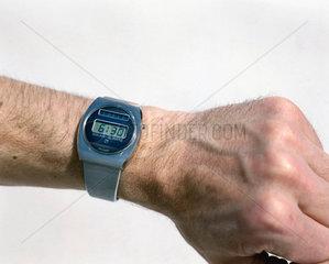 Cristalonic solar quartz time computer digital watch  1976.