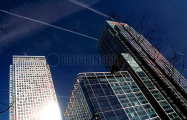Canary Wharf and CityBank buildings  Docklands  London  2007.