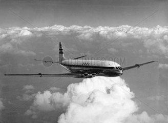 Comet 1 prototype in BOAC livery in flight  4 September 1950.