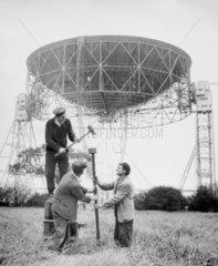 'Tuning into Russia'  10 Oct 1957. 'Jodrell