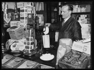 Weighing sugar  1934.
