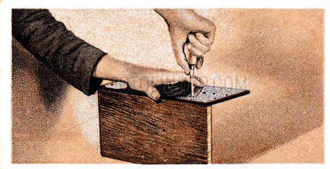 'How to build a two valve set'  No 3  Godfrey Philips cigarette card  1925.