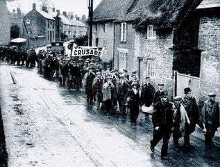 Jarrow marchers passing through Buckinghamshire  26 October 1936.