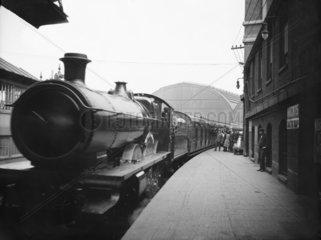 Cornish Riviera express at Paddington Station  London  1922.