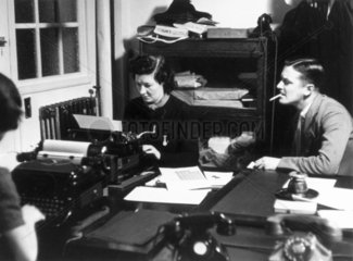 BBC News Department during WWII 'somewhere