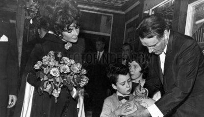 Elizabeth Taylor and Richard Burton  3 March 1968.