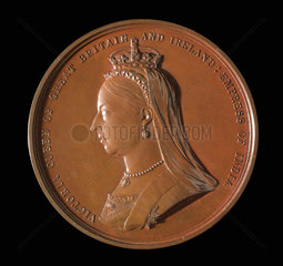 Queen Victoria  International Medical Congress medal  London  1881.