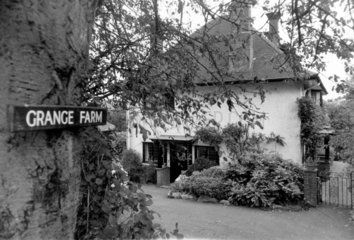 Harold Wilson's house  Buckinghamshire  March 1974.