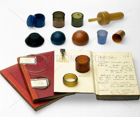 Samples of polyethene and other plastic items  c 1935.
