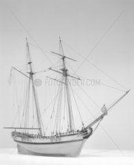 Model of a Naval Schooner  1760-1780. (Rigg
