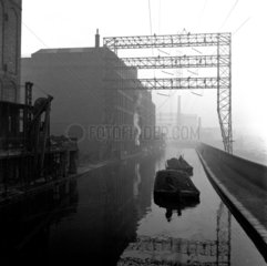 Ovaltine boats on Grand Union Canal  ner Boxmoor  Hertfordshire  1950.