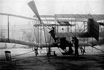 Maxim's 1910 aeroplane that never flew  1910.